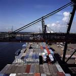 19646_ship loading